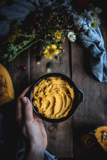 A delicious sweet vegan pumpkin butter with roasted hazelnuts