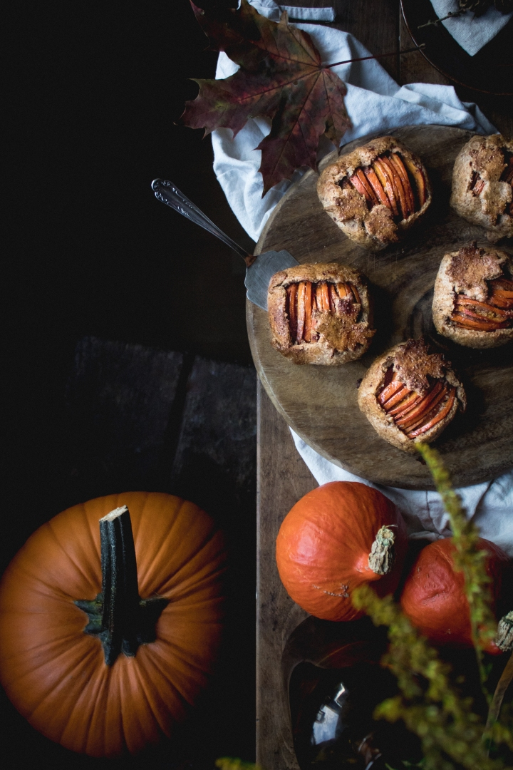 Delicious and no-regret pumpkin pie spiced galettes